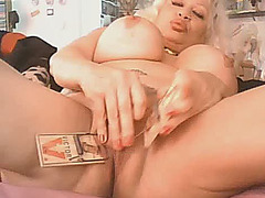 Busty Latin Mature on cam (Major Lagging)