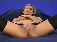 Raging fast rubbing makes beautitful hottie cum hard