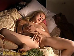 Great bodied chick fingers herself to big O
