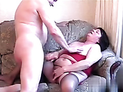 Amateur mature brunette rubbing her hot beaver
