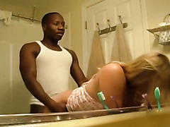 Great interracial sex in bathroom