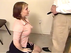 Submissive amateur slogger learns how to suck dick